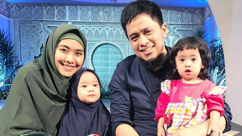 Keluarga Oki Setiana Dewi (Foto: Instagram)