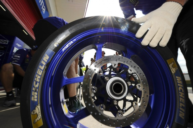 Ban Michelin. (Foto: Cycle News)
