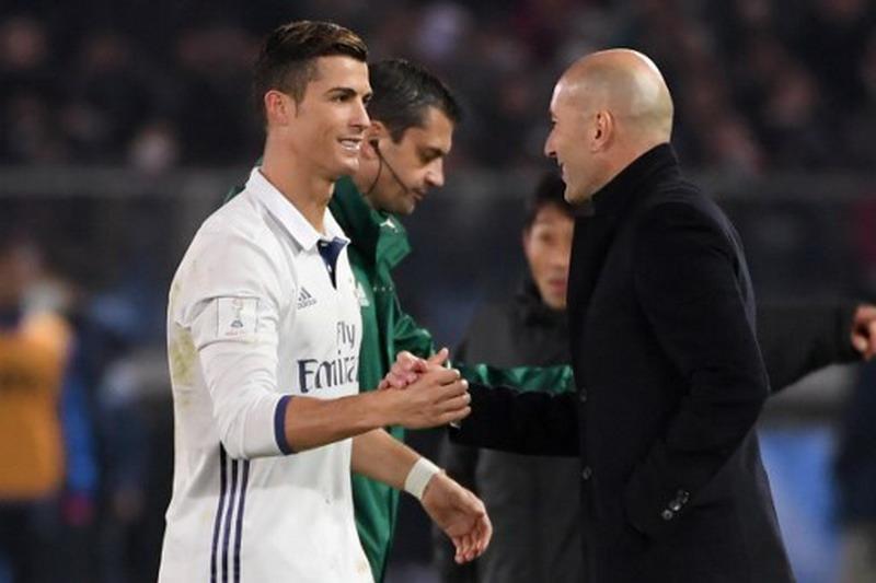 Zidane berharap Ronaldo bertahan. (Foto: AFP/Toshifumi Kitamura)