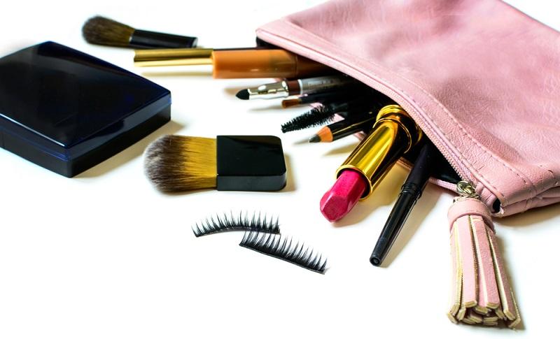 Tips Packing Alat Kecantikan biar Gak Hilang Selama Perjalanan Mudik
