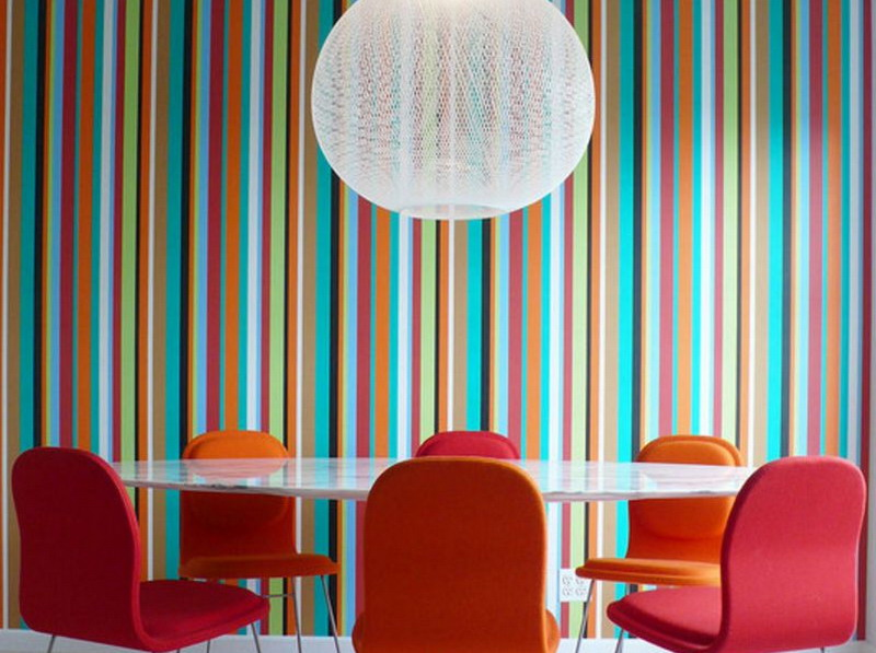 Lebaran Kali Ini Berani Coba Motif Stripes Dalam Ruangan? Jangan Ragu Aplikasikan di Dinding!