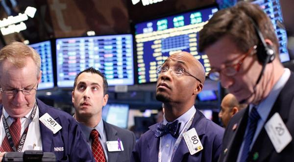 \Wall Street Dibuka Terpukul Pelemahan Harga Minyak Mentah   \
