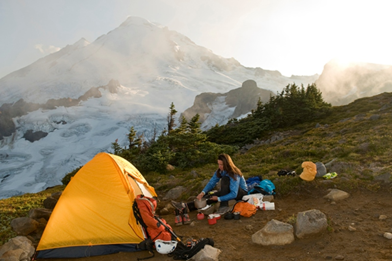 WALK & WOK : Lupa Membawa Peralatan Masak saat Mendaki Gunung? Ini Solusinya