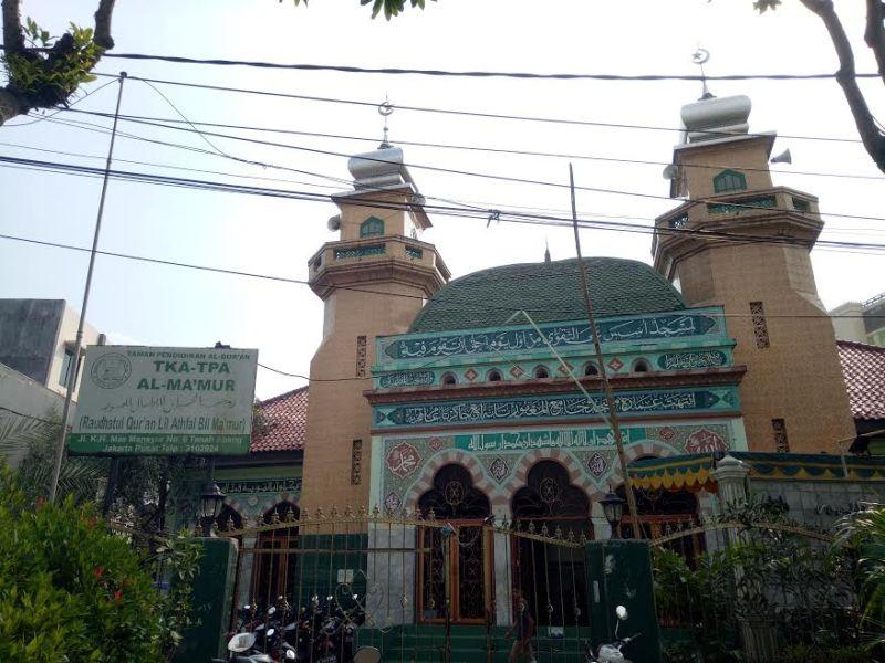 JELAJAH ISLAM: Melirik Suasana Klasik di Masjid Al Makmur Tanah Abang