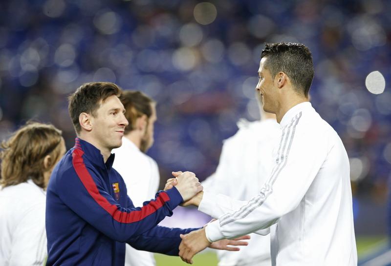 Perez ingin datangkan Messi ke Madrid. (Foto: REUTERS/Albert Gea)
