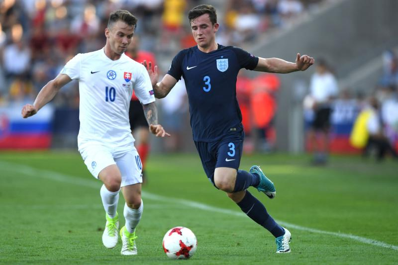Pemain Timnas Slovakia U-21, Albert Rusnak (kiri) saat melawan Inggris U-21 (Foto: Getty Images / Piotr Nowak)