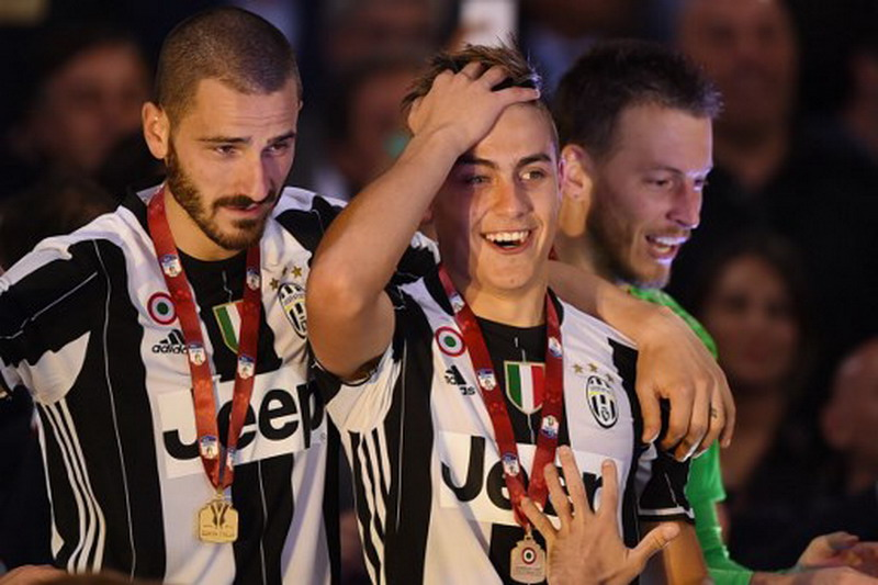 Bonucci dan Dybala ditengarai berseteru di final Liga Champions. (Foto: AFP/Fillipo Monteforte)