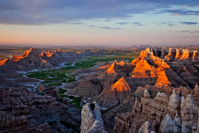Wisata Murah Sembari Menikmati Sensasi Jadi Koboi di Badlands Dakota