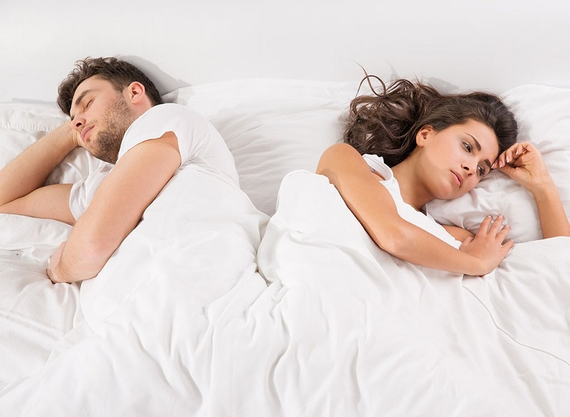 Langsung Tidur Pulas, Kesalahan Pria Paling Fatal saat Malam Pertama