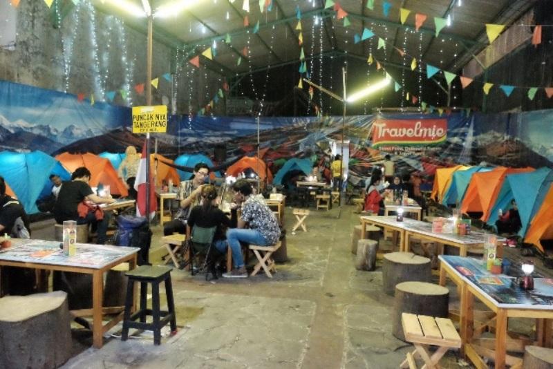 OKEZONE WEEK-END: 7 Kafe & Restoran Terunik, Sensasi Makan dalam Pesawat Mewah hingga di