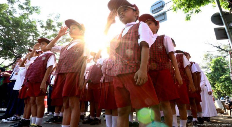 \BUSINESS HITS: Uang Habis Usai Lebaran Tapi Butuh Belanja Sekolah? Ini Solusinya\