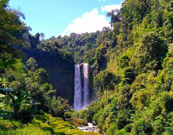 SHARE LOC: Serupa tapi Tak Sama, Air Terjun Sanghyang Taraje Punya 2 Pancuran Spektakuler!