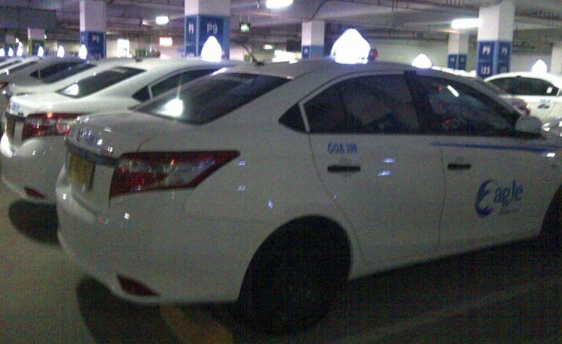 \Tarif Taksi Online Disesuaikan, Buy on Weakness Saham Express di Rp120   \