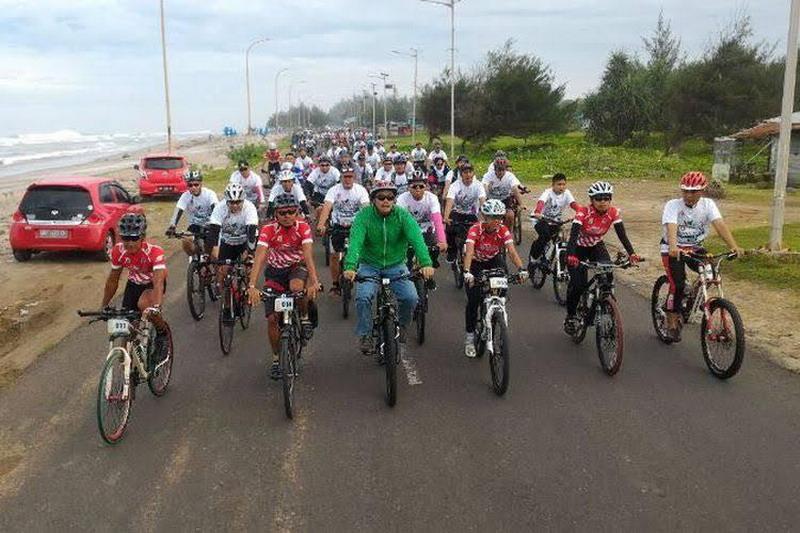 Menpora lepas tim touring Gowes Nusantara