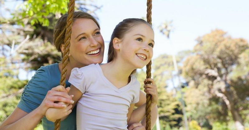 Peringatan Hari Anak Nasional, Moms Harus Kreatif Berikan Pola Asuh untuk si Kecil