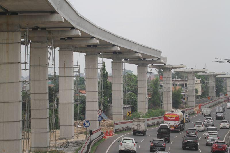 \Penting! MRT dan LRT Harus Berkoordinasi\