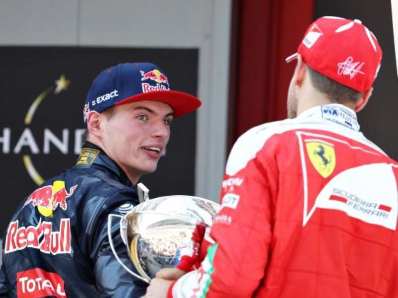 Max Verstappen dan Sebastian Vettel. (Foto: Independent)