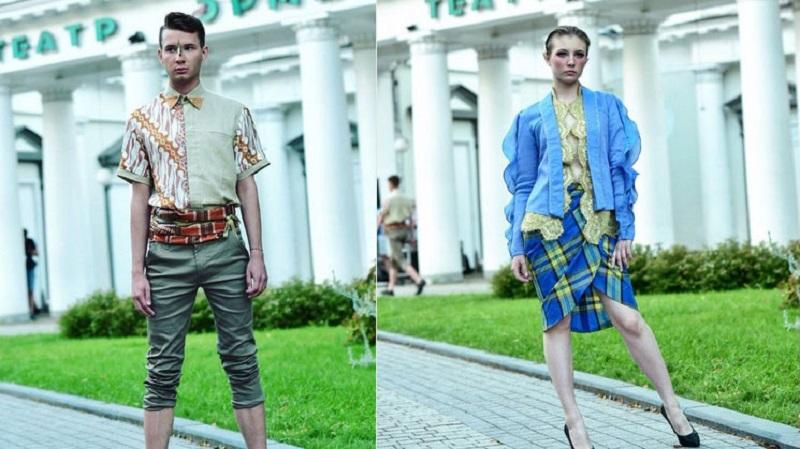 Keren! Kolaborasi Batik Jawa dan Warna Kain Makassar Tampil di Fashion Show Moskow