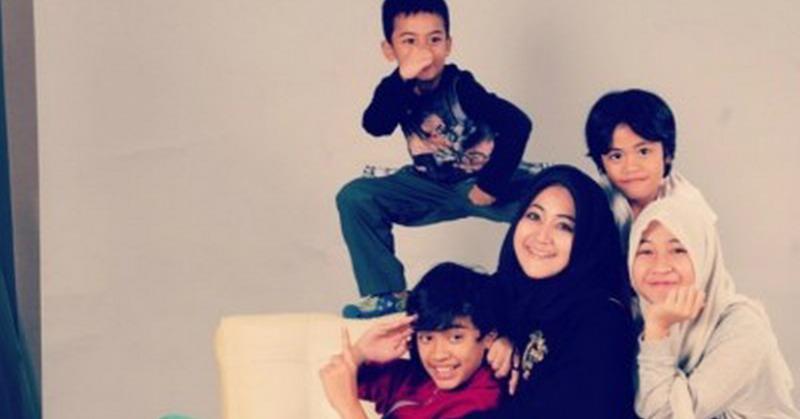 Umi Pipik dan Anak-Anak (Foto: Instagram)