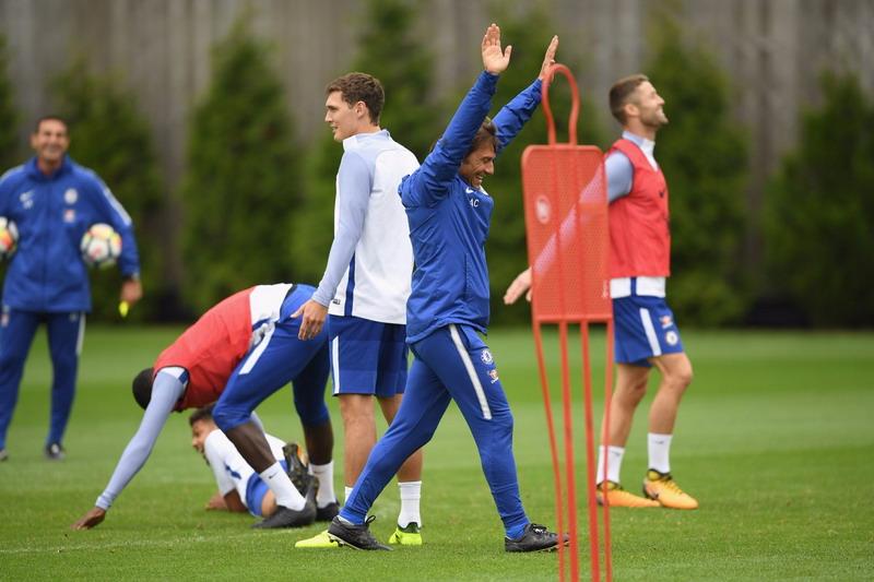 Antonio Conte (Foto: Twitter @ChelseaFC)