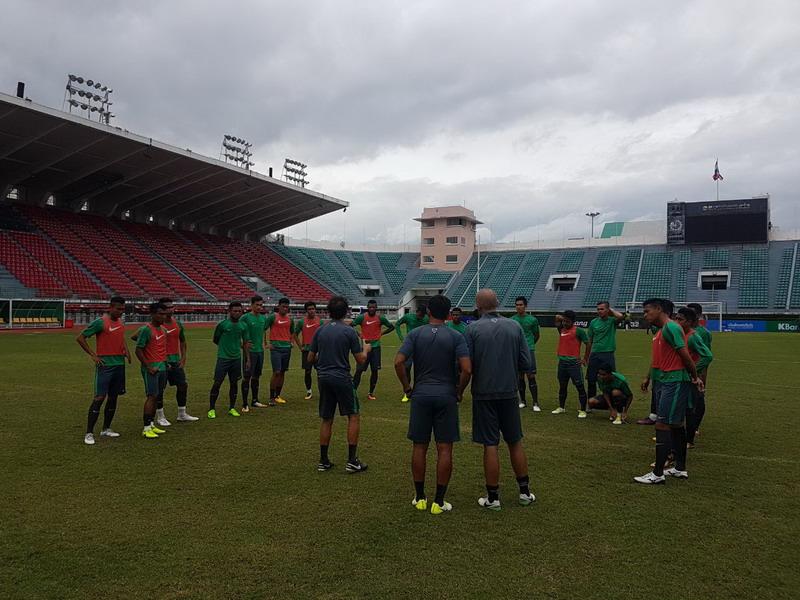 Timnas Indonesia U-22 saat menjalani latihan di Bangkok. (Foto: Istimewa)
