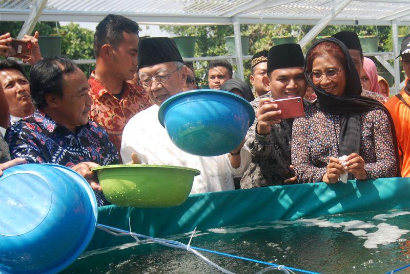 \Ke Pesantren, Menteri Susi: Kami Ingin Santri Tercukupi Asupan Ikannya\