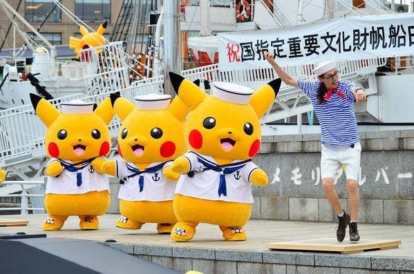 MENGGEMASKAN! Puluhan Pikachu Diangkut Naik Kapal, Mirip Adegan Film Dunkirk?