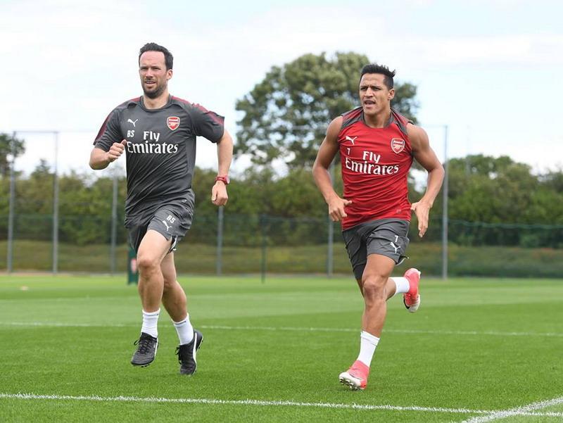 Sanchez disertakan Arsenal di Liga Eropa. (Foto: Facebook Arsenal)