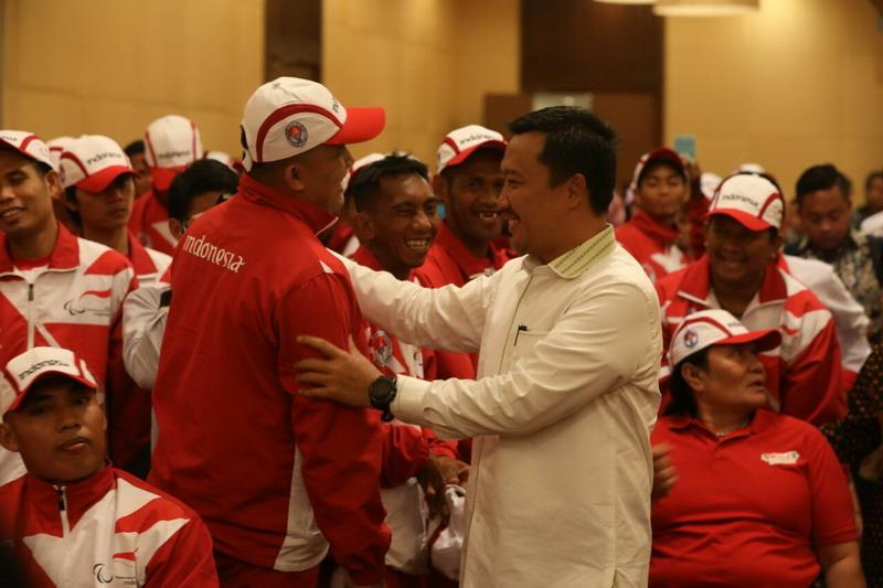Menpora Imam bersama atlet ASEAN Para Games 2017. (Foto: Istimewa)
