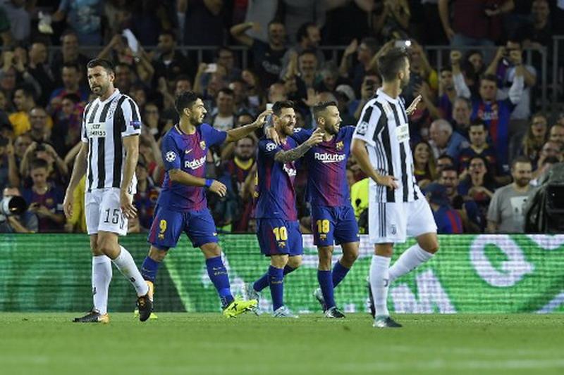 Messi berhasil robek gawang Juventus. (Foto: AFP/Lluis Gene)