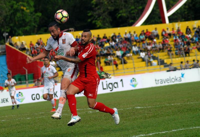 Borneo FC saat hadapi Semen Padang. (Foto: ANTARA/Iggoy el Fitra)