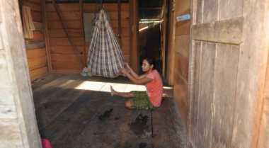 Derita Balita Pengungsi Korban Tsunami Mentawai
