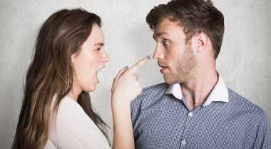 Kenali Tipe Wanita yang Suka Mengontrol Hidup Pria