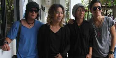 J-Rock Kolaborasi dengan Musisi Asing