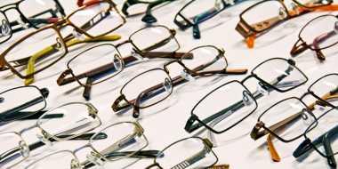 Aming Koleksi hingga Ratusan Kacamata
