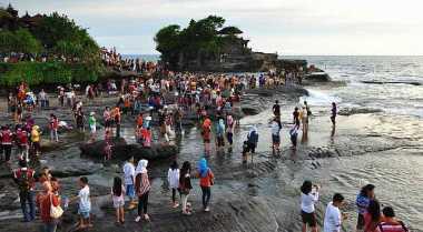 Tanah Lot Tempat Wisata Terlaris Dikunjungi Turis