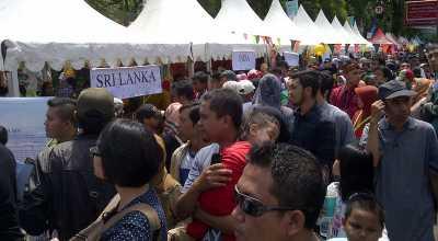 Warga Bandung Serbu Festival Of Nations 2015 'Kulturasun'
