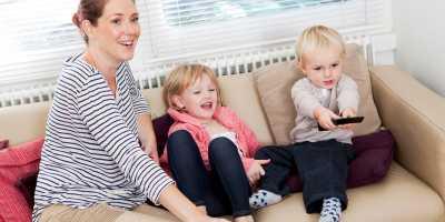 Dampak Negatif Tayangan Sinetron yang Wajib Diingatkan Orangtua