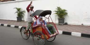 Becak Tarik Perhatian Chef Degan saat ke Yogyakarta