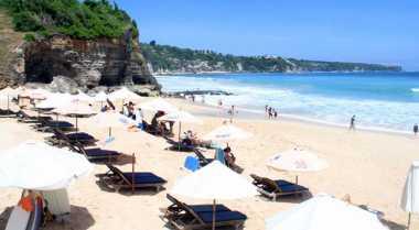 Ombak Pantai Terbaik Bali Tak Banyak Diketahui