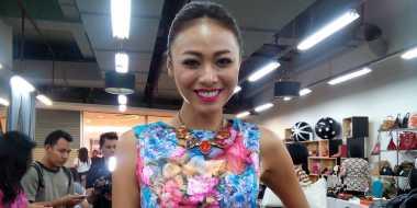 Bisnis Whulandary Herman Digandrungi di Filipina
