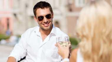 Tips Hadapi Cinta pada Pandangan Pertama