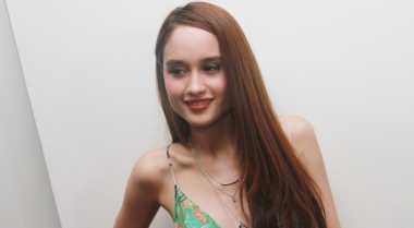 Cinta Laura Tato Nama Pacar di Lengan?