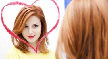 Empat Alasan Wanita Harus Mencintai Diri Sendiri