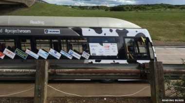 Bus Berbahan Bakar Kotoran Sapi Cetak Rekor Kecepatan Baru