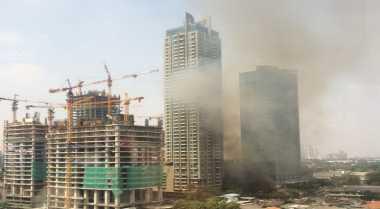 Bangunan Semi Permanen di Jalan Senopati Terbakar