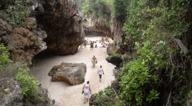 Tips Penting saat Liburan ke Pantai Suluban Bali