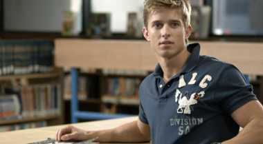 Tips Menyadarkan Pria Arti Penting Keperjakaan
