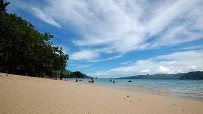 Aktifitas Menarik di Pantai Pasir Putih