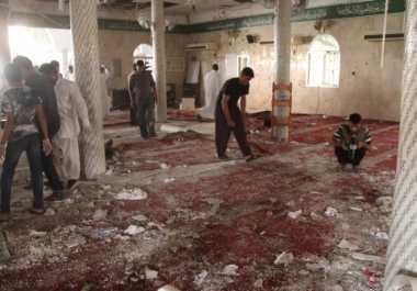 Arab Saudi Bersumpah Buru Dalang Serangan Bom Masjid